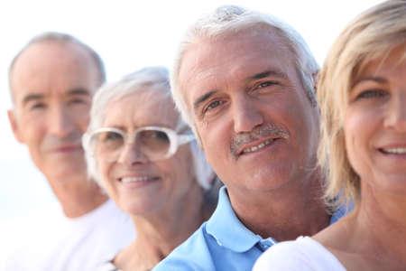 Photo pour Head and shoulders of a mature and a senior couple - image libre de droit