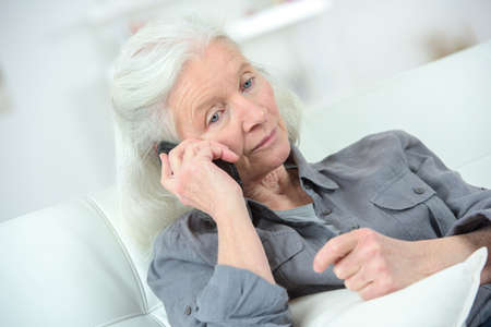 Foto per Senior woman on the phone - Immagine Royalty Free