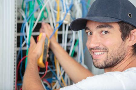 Foto de electrician at work - Imagen libre de derechos