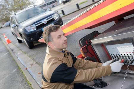 Photo pour towing a vehicle - image libre de droit