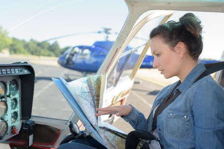 Photo pour woman in helicopter - image libre de droit