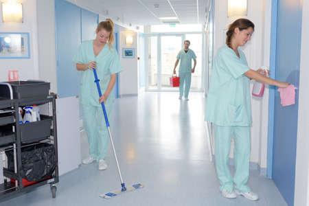 Photo pour cleaning in hospital - image libre de droit