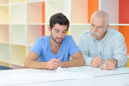 Photo pour businessmen working together - image libre de droit