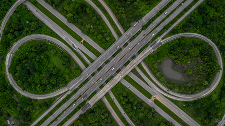Photo pour Aerial view highway junction, cross roads, interchange and expressway is an important infrastructure in Thailand. - image libre de droit