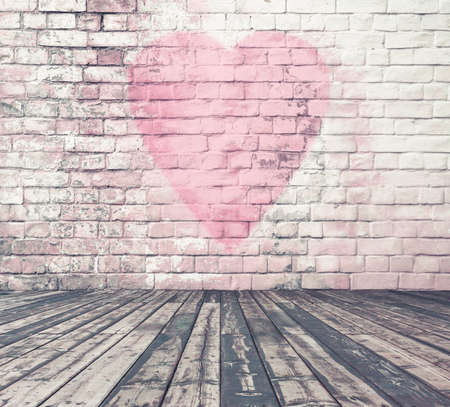 Photo pour old room with brick wall graffiti heart, valentines day background - image libre de droit