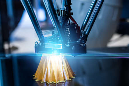 Foto de 3D printing machine during work process - Imagen libre de derechos