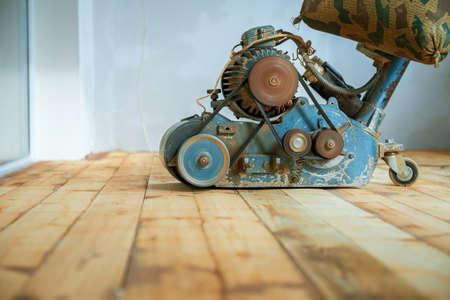 Foto de home renovation, parquet sanding, polishing - Imagen libre de derechos