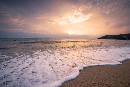 Foto de Scenic view of beautiful sunset above the sea. - Imagen libre de derechos