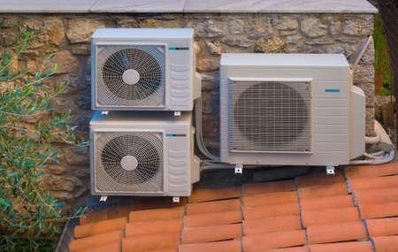 Foto de Heating and air conditioning inverter heat pumps - Imagen libre de derechos