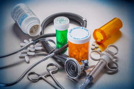 Foto de Medical tools used by doctors and nurses in the care of hospitalized patients - Imagen libre de derechos
