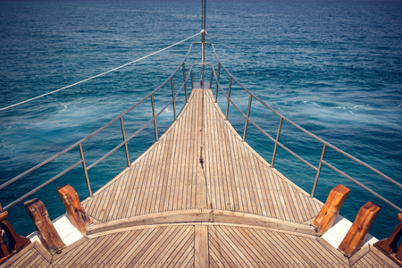 Photo pour View of the front ship deck on sea in summer time - image libre de droit