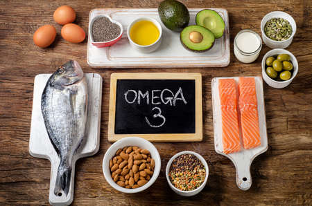 Photo pour Food rich in omega 3 fatty acid and  healthy fats. Healthy eating concept - image libre de droit