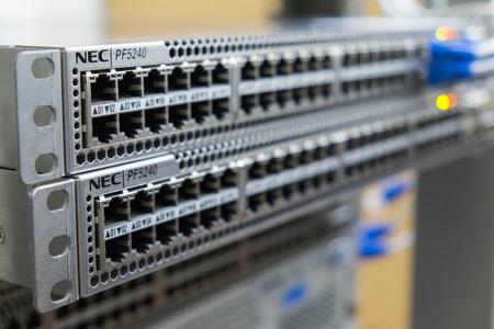 Photo pour Ethernet switch on rack - image libre de droit