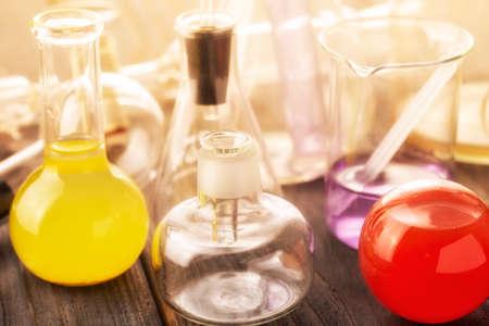 Foto de Scientific laboratory glassware. Close up. - Imagen libre de derechos