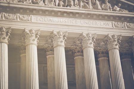 Photo pour United States Supreme Court Pillars of Justice and Law  - image libre de droit