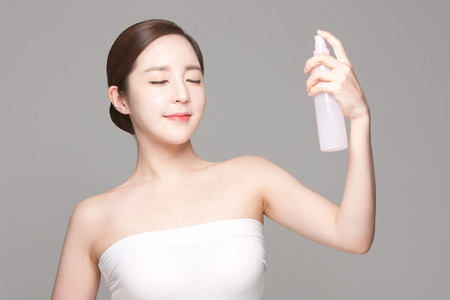 Foto de Close up shot of beautiful Asian woman, beauty skin care/ make up concept - Imagen libre de derechos