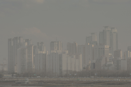 Photo pour The City view, covered in dust. fine dusts covering up the air. 067 - image libre de droit