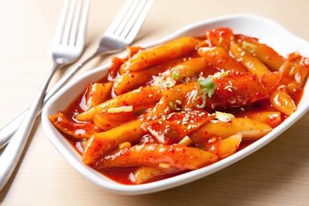 Photo pour Korean cuisine Tteokbokki, spicy rice cakes - image libre de droit