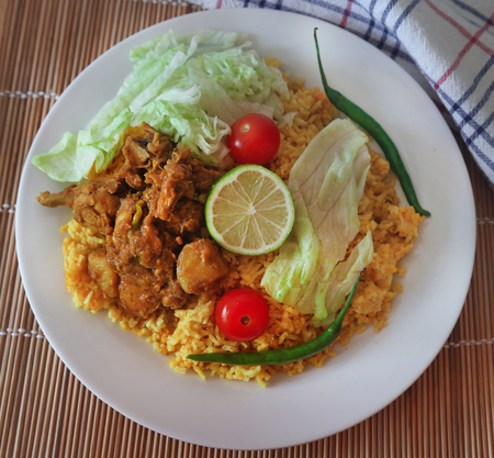 Photo pour Khichuri made from rice and lentils, a very popular cuisine in Indian subcontinent - image libre de droit