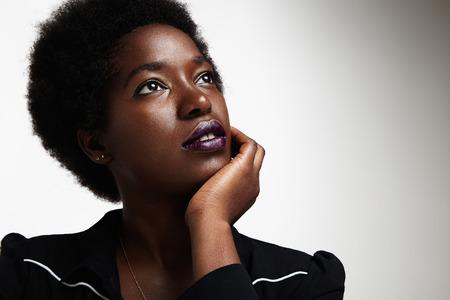 Photo pour dreaming black woman - image libre de droit