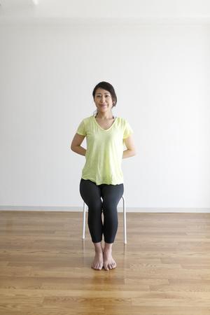 Photo pour woman and flexible gymnastics - image libre de droit