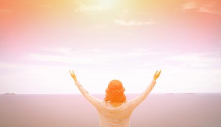 Foto de A woman thank God - Imagen libre de derechos