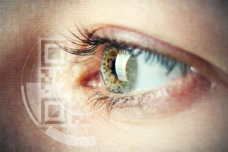 Foto de Human eye with integrated  QR code - Imagen libre de derechos