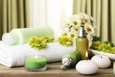 Foto de Beautiful spa composition on fabric background - Imagen libre de derechos