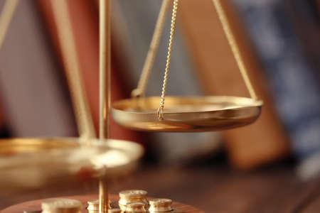 Photo pour Golden balance scales, closeup - image libre de droit