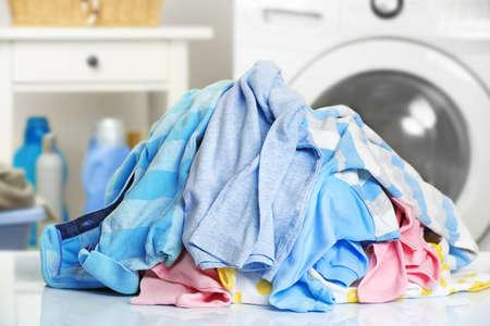 Foto de Pile of dirty laundry - Imagen libre de derechos