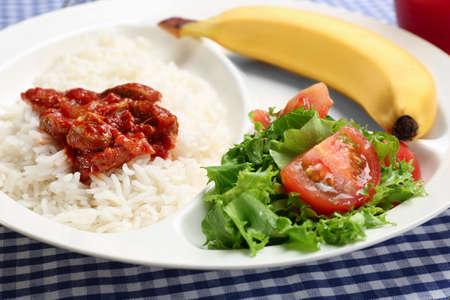Photo pour Serving tray with delicious food, closeup. Concept of school lunch - image libre de droit