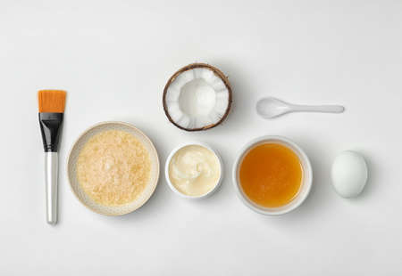 Photo pour Homemade effective acne remedy and ingredients on white background - image libre de droit