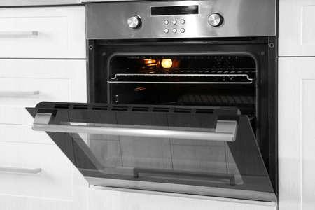 Foto de Open modern oven built in kitchen furniture - Imagen libre de derechos