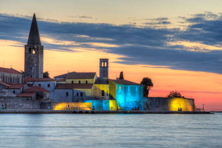 Foto de View of Porec skyline and sea at sunset, Istria. Croatia - Imagen libre de derechos