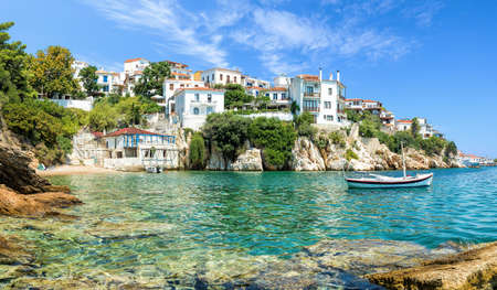 Photo pour The old port of Skiathos - image libre de droit
