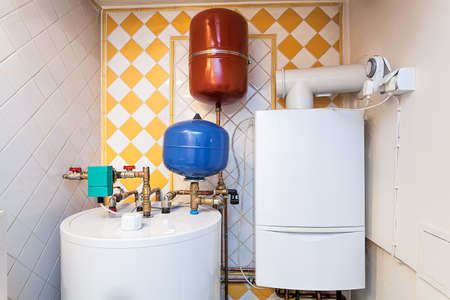Photo pour Vintage mansion - a boiler room with containers and pipes - image libre de droit