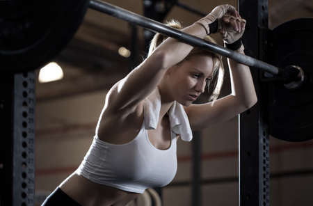 Foto de Close-up of woman training at crossfit center - Imagen libre de derechos