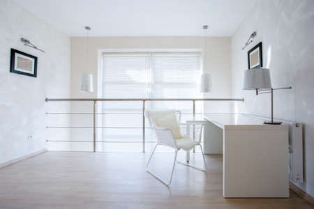 Foto de Horizontal view of small private office at home - Imagen libre de derechos