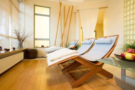 Photo pour Horizontal view of elegant spa in hotel - image libre de droit