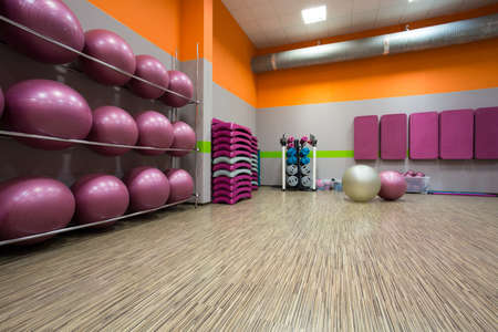 Foto de Interior of equipped gym at fitness center - Imagen libre de derechos