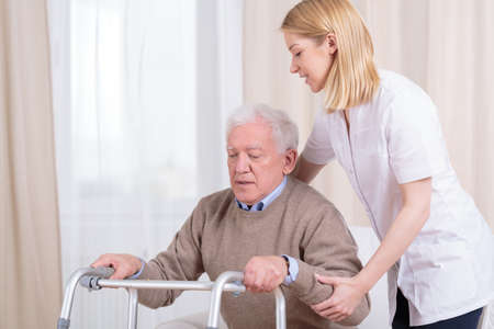 Foto de Horizontal view of rehabilitation in nursing home - Imagen libre de derechos