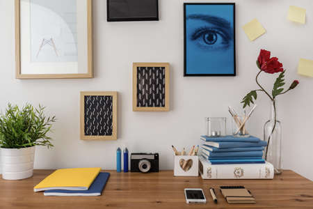 Photo pour Creative designed desk in modern stylish study room - image libre de droit