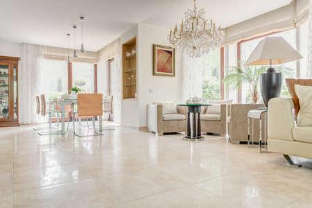Photo pour Interior of elegant exclusive villa - horizontal view - image libre de droit