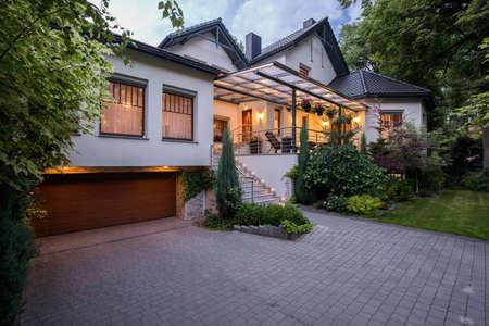 Photo pour Exterior of luxury residence with cozy terrace - image libre de droit