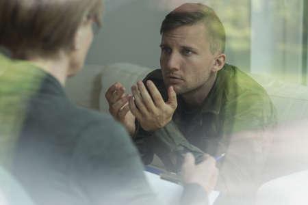 Foto de Psychological therapy of post traumatic stress disorder - Imagen libre de derechos