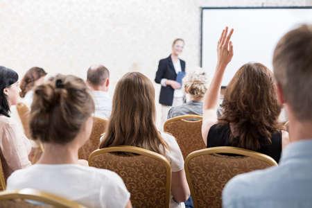 Foto de Picture of discussion after lecture of famous professor - Imagen libre de derechos