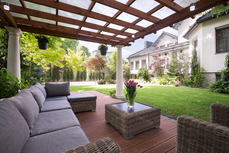 Foto de Photo of luxury garden furniture at the patio - Imagen libre de derechos