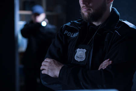 Foto de Close-up of police officers on the intervention - Imagen libre de derechos