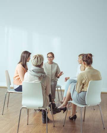 Foto de Personal trainer giving extracurricular activities for active women - Imagen libre de derechos