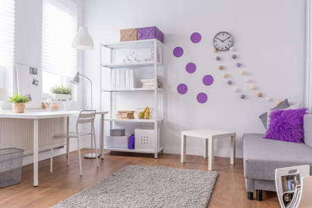 Photo pour Girl's room - light and cozy purple interior - image libre de droit